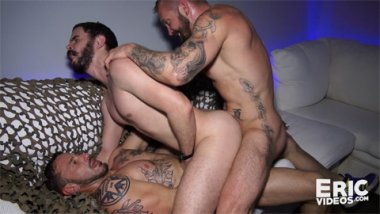Orgy, Diego goes to a bar to get pounded 0